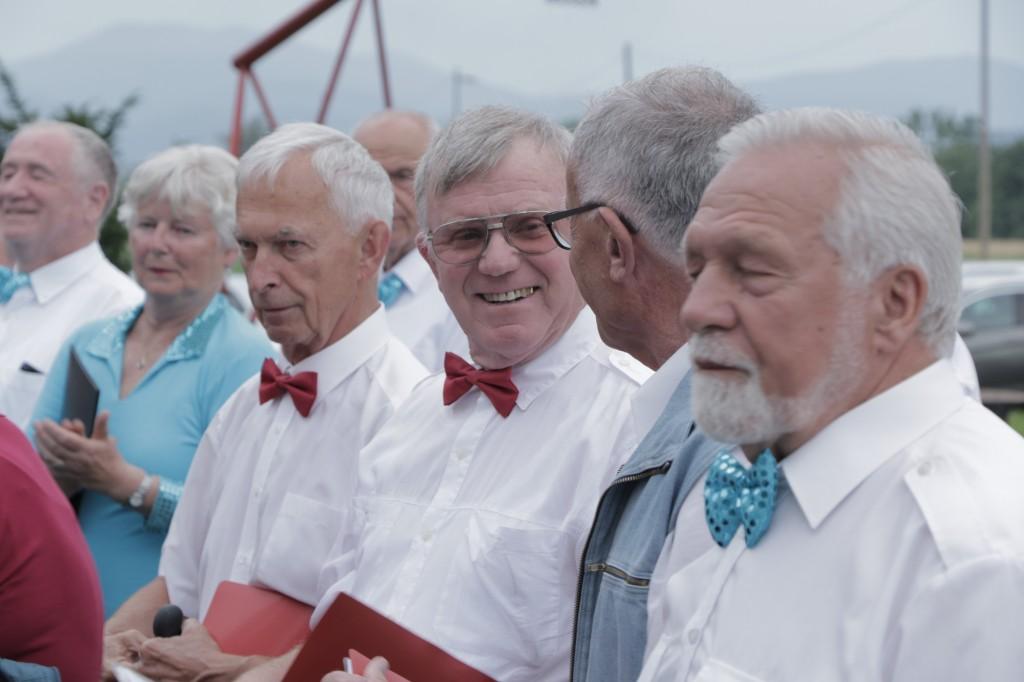 moški zbor predpriprava na nastop