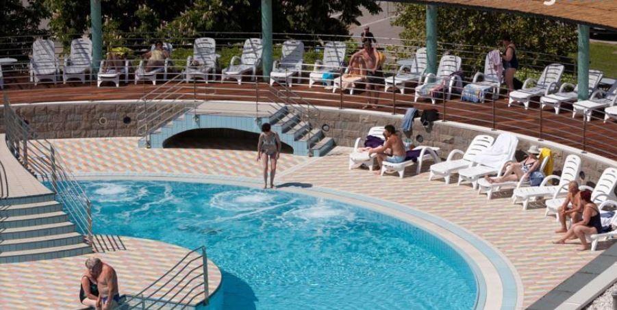 utrinek z bazena Delfin